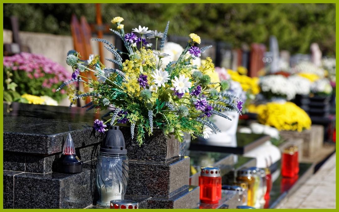 Día de Todos los Santos. ¡Somos tu floristería de confianza en Albacete!